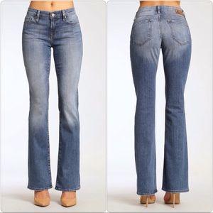 Mavi Jeans Molly Classic Boot Cut in Light Nolita